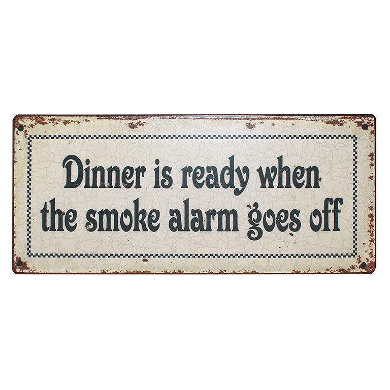 em1743-dinner-is-ready-when-the-smoke-alarm-goes-off-tekstbord-uitspraken-gezegde-spreuken-rustiek-bord-cadeau-vierkant